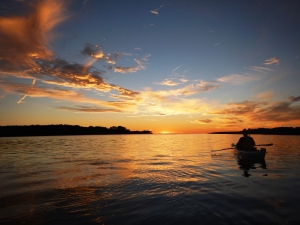 Coucher de soleil en kayak-@AnnePélouas